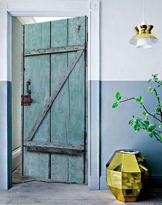 """Наклейка на двері """"Старі двері"""""""
