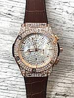 Женские наручные коричневые часы HUBLOT с камнями