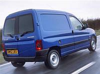 Заднее стекло (распашонка левая) без э. о. на Peugeot Partner, Citroën Berlingo 96-08 (Партнер, Берлинго)