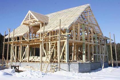 Строительство зимой: свои плюсы и свои минусы