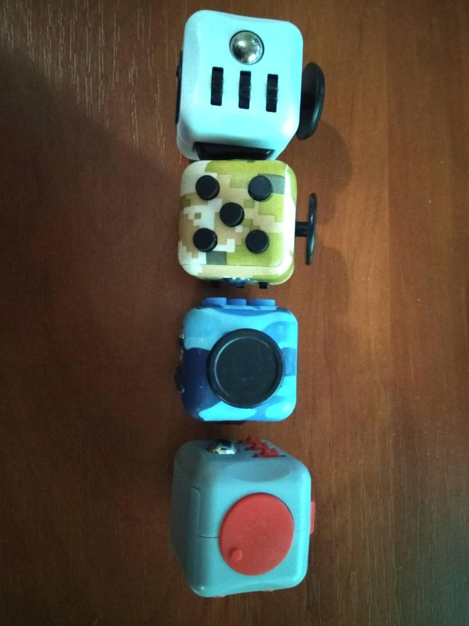 Fidget Cube 8240