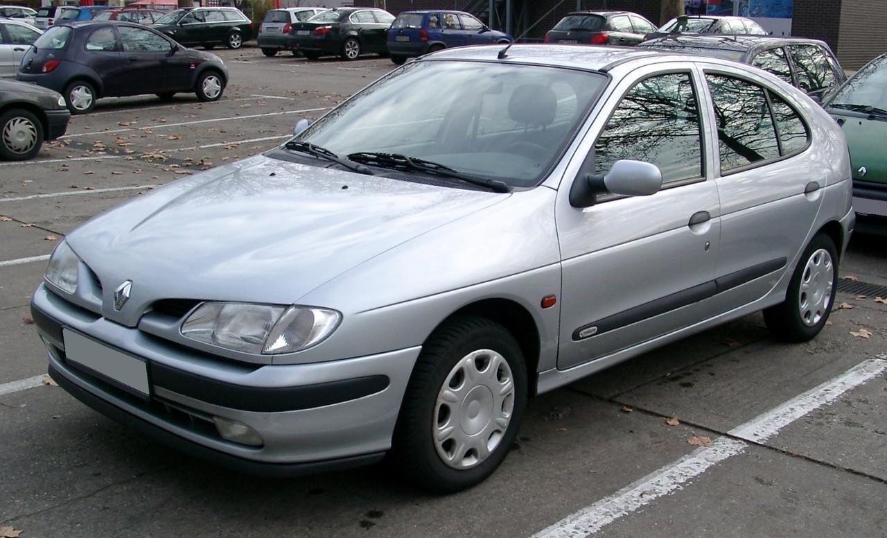 Лобовое стекло на Renault Megane (Седан, Хетчбек, Комби) (1995-2002)