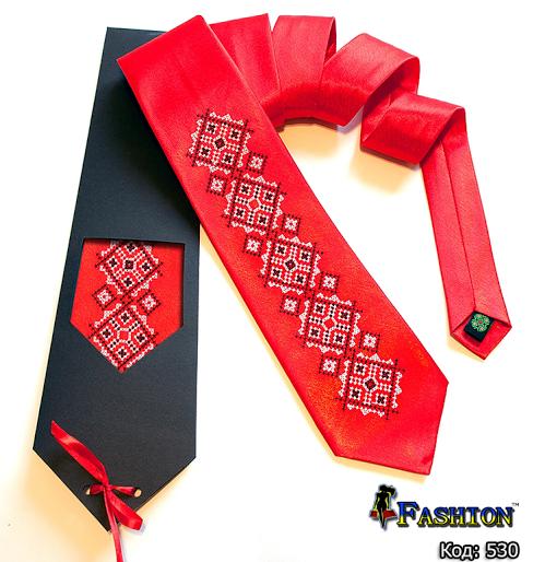 червона краватка