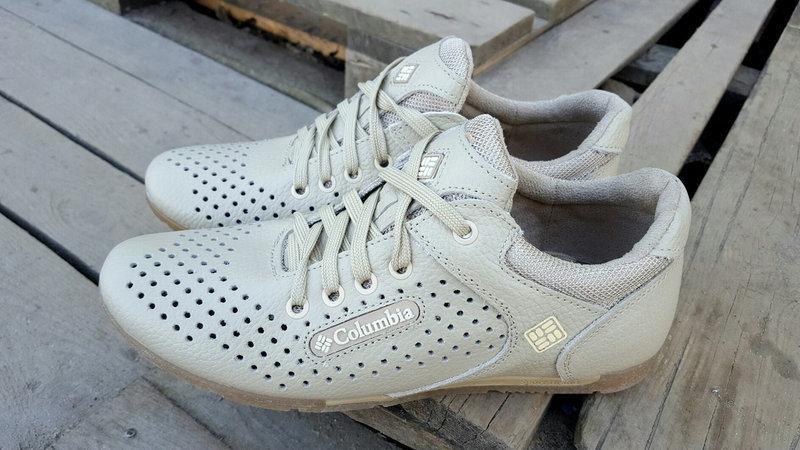 Мужские летние кожаные кроссовки Columbia (перфорация) бежевые  размеры 40,41,42,43,44,45
