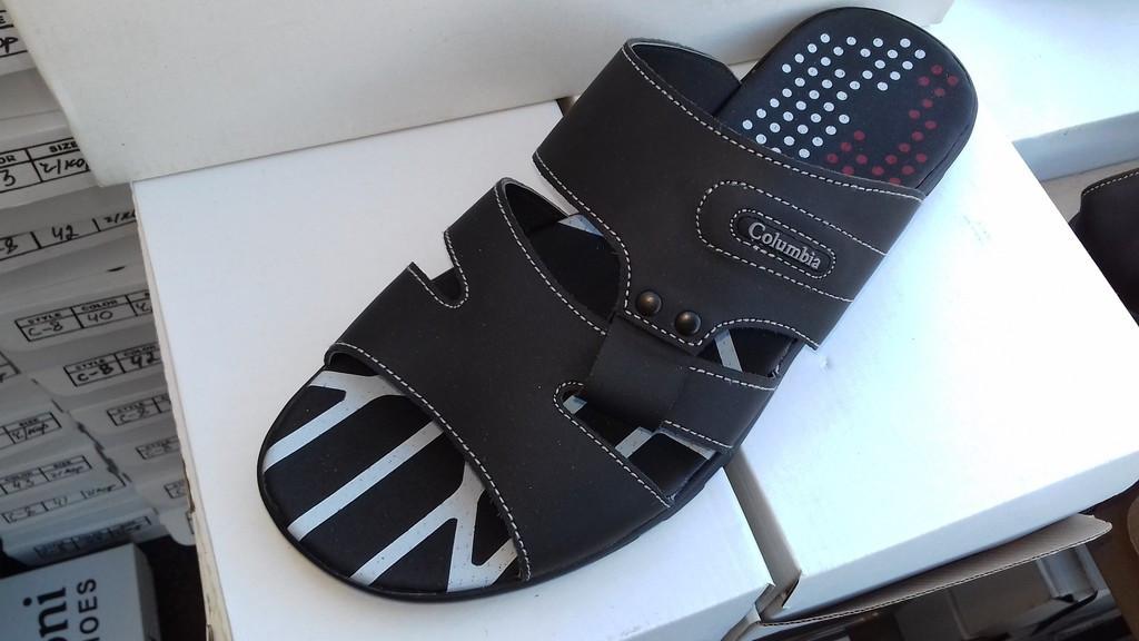 Мужские легкие кожаные шлепанцы Columbia, размеры 40,41,42,43,44,45