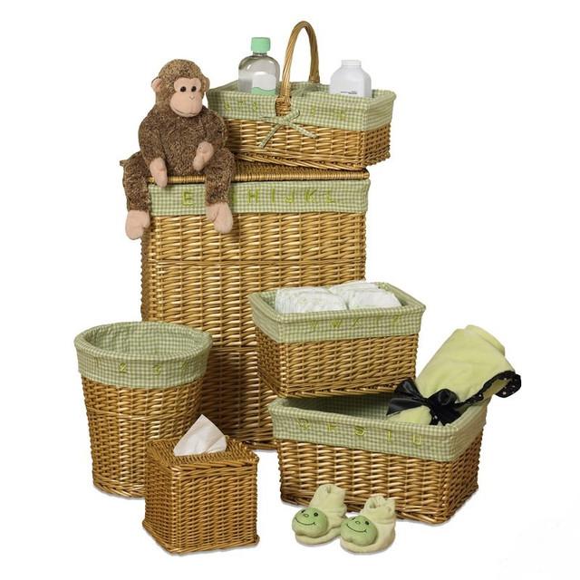 Емкости и ящики для хранения вещей