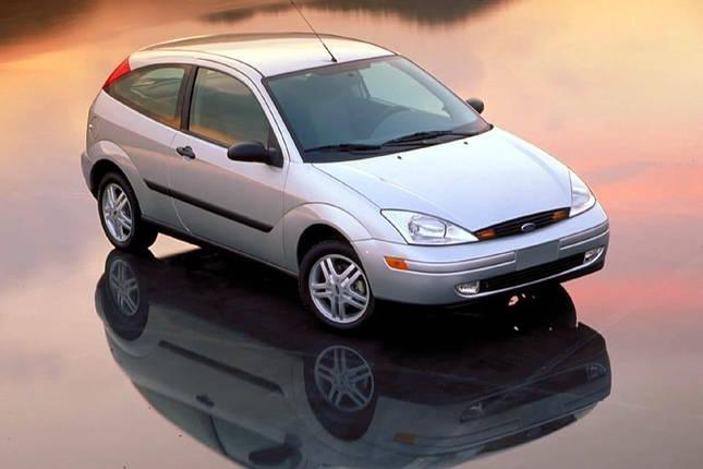 Лобовое стекло на Ford Focus (Седан, Комби, Хетчбек) (1998-2004) , фото 2