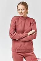 Женский зимний свитер под горло