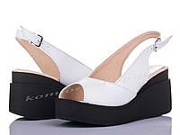 Женские босоножки кожаные, белые V 1099