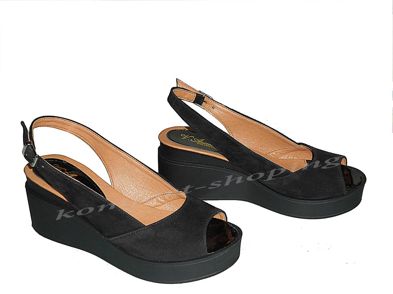Женские босоножки замшевые, черные V 1099