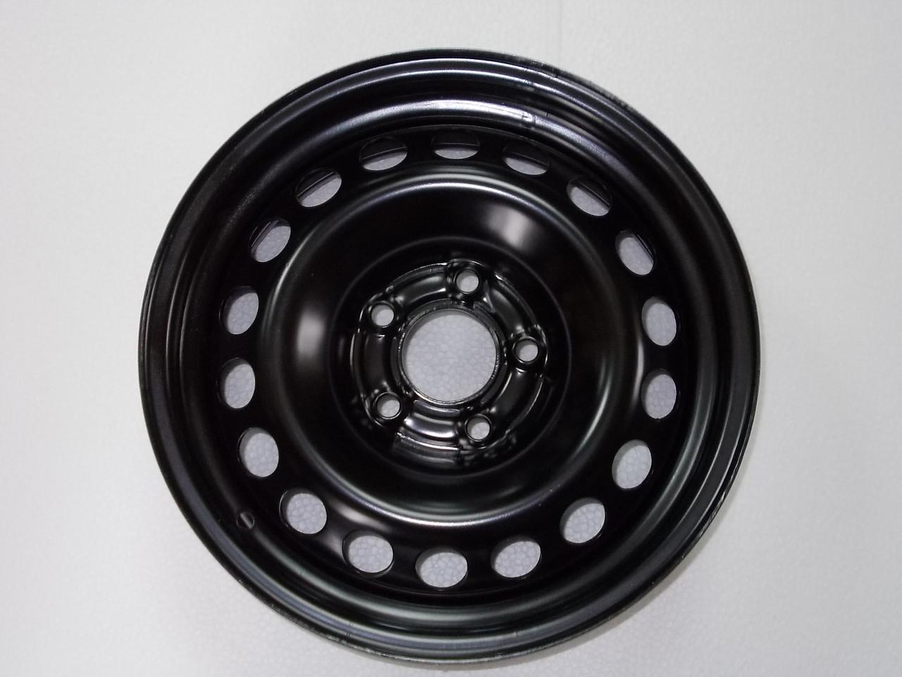 Стальные диски R15 5x112; ET31; DIA66,6 на Mercedes A-Class, диски на Nissan Qashqai