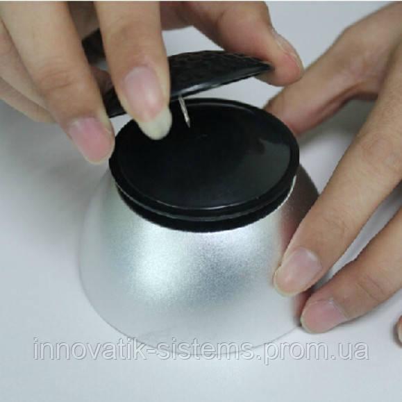Снимается антикражный датчик Ракушка универсальным магнитным ключем-съемником.