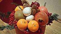 Фруктово-овощная композиция в коробке