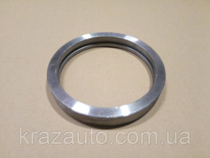 Кольцо распорное МАЗ 6303-2918156