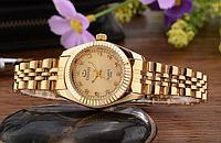 Роскошные наручные женские часы с золотистым ремешком