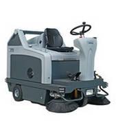 Подметальная машина с сиденьем (гидравлический отвал) Nilfisk SR 1301
