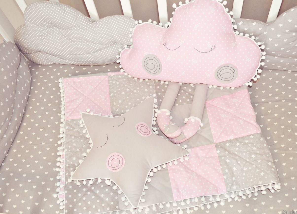 Детское одеялко тонкое и 2 игрушки. Подарочный комплект для новорожденного.