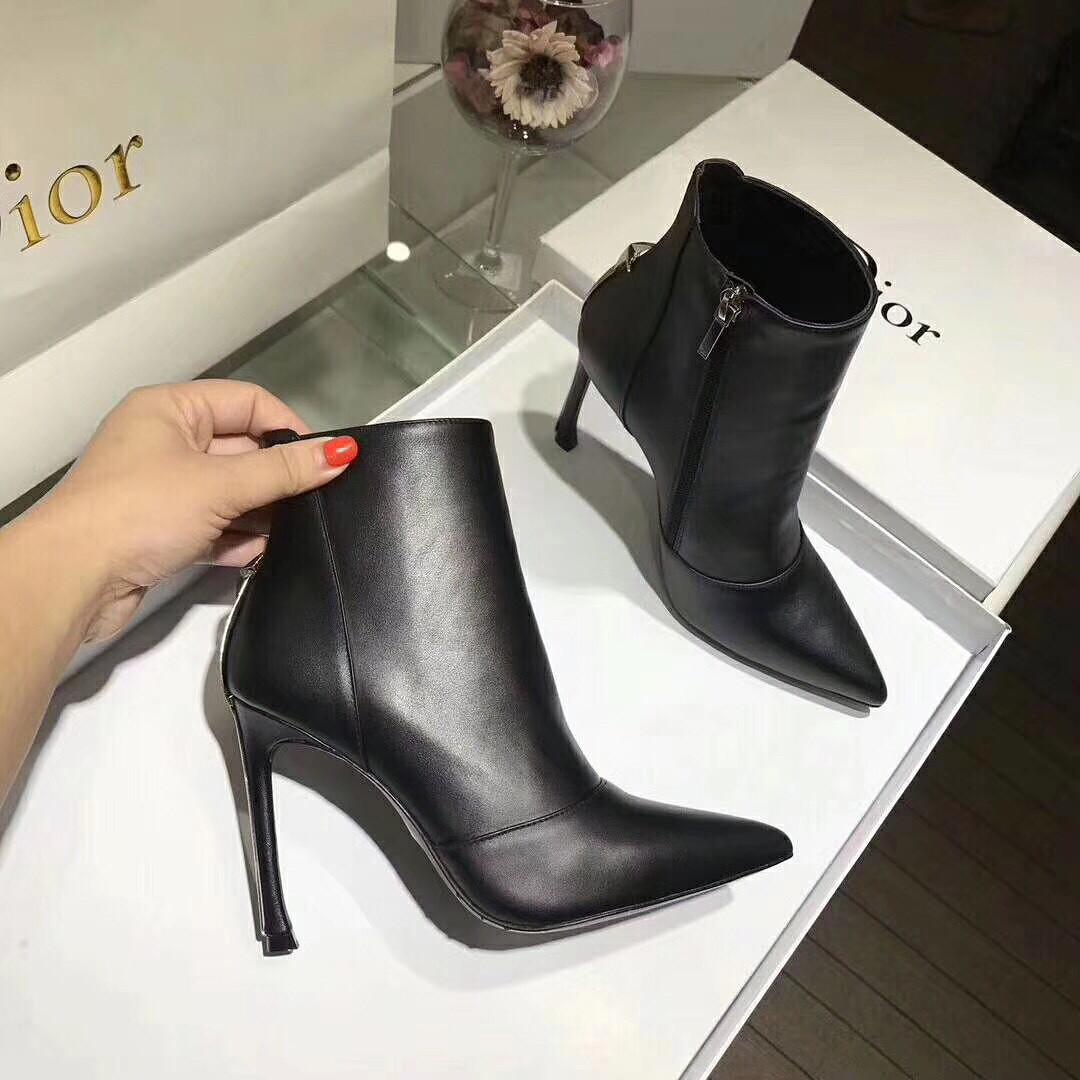 Женские демисезонные полусапожки на каблуке Dior  продажа, цена в ... b09b2b6e785