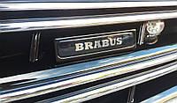 Шильдик Brabus с  подсветкой в решетку Mercedes S-klass W222