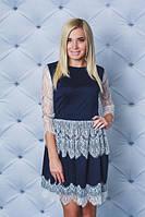 Платье мини с кружевом т-синее