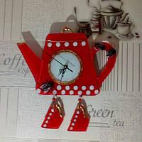 Часы настенные «Чайник с чашками» в технике фьюзинг.