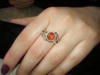Серебряное кольцо с сердоликом 17,5размера.