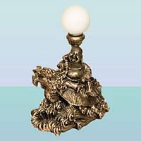 Настольная лампа. Декоративный светильник статуя Хотей на драконе