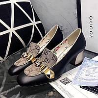 Женские туфли на каблуке с пряжкой и принтом Gucci
