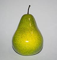 Искусственная зеленая груша для декора