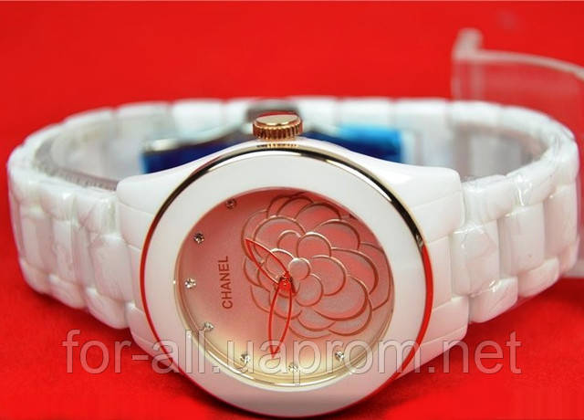 Белоснежные женские часы Chanel в керамическом корпусе и браслете