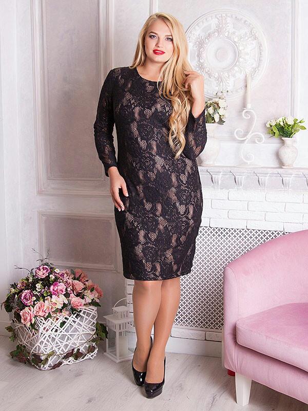 Нарядное платье больших размеров из гипюра