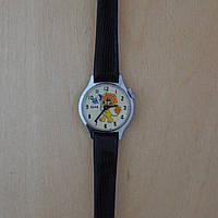 Механические часы Заря львёнок с бабочкой