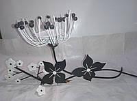 Декоративный подсвечник в виде цветка