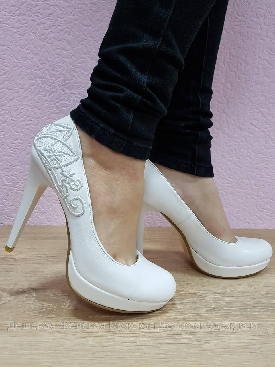 Жіночі туфлі. 8 пар в ящику. Розміри 35-40. Повтори 37,38