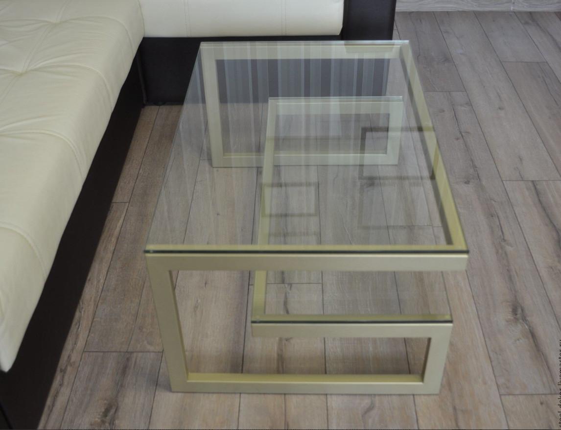 Журнальный столик консоль  со стеклом  13 дсп