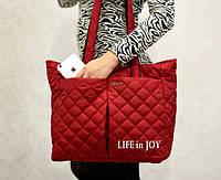 Стильная женская сумка стеганая красного цвета с карманами