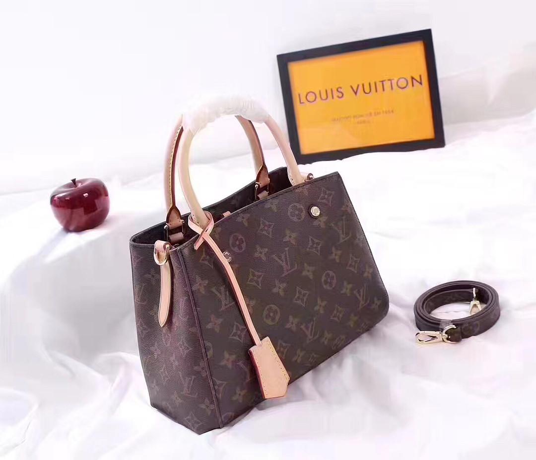 5010b2eaac44 Кожаная сумка LOUIS VUITTON 2018 - Люкс реплики брендовых сумок, обуви в  Киеве