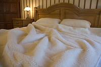 """Одеяло из овчины  """"КЛАССИК"""", двухслойное однотонное, цвет крем-молоко,  окантовка трикотажной бейкой , фото 1"""