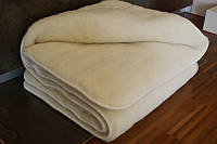 """Одеяло из овчины  """"КЛАССИК"""", двухслойное однотонное, цвет крем-молоко,  окантовка трикотажной бейкой"""