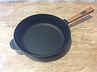 Сковородка чугунная с деревянной ручкой  280х 60мм