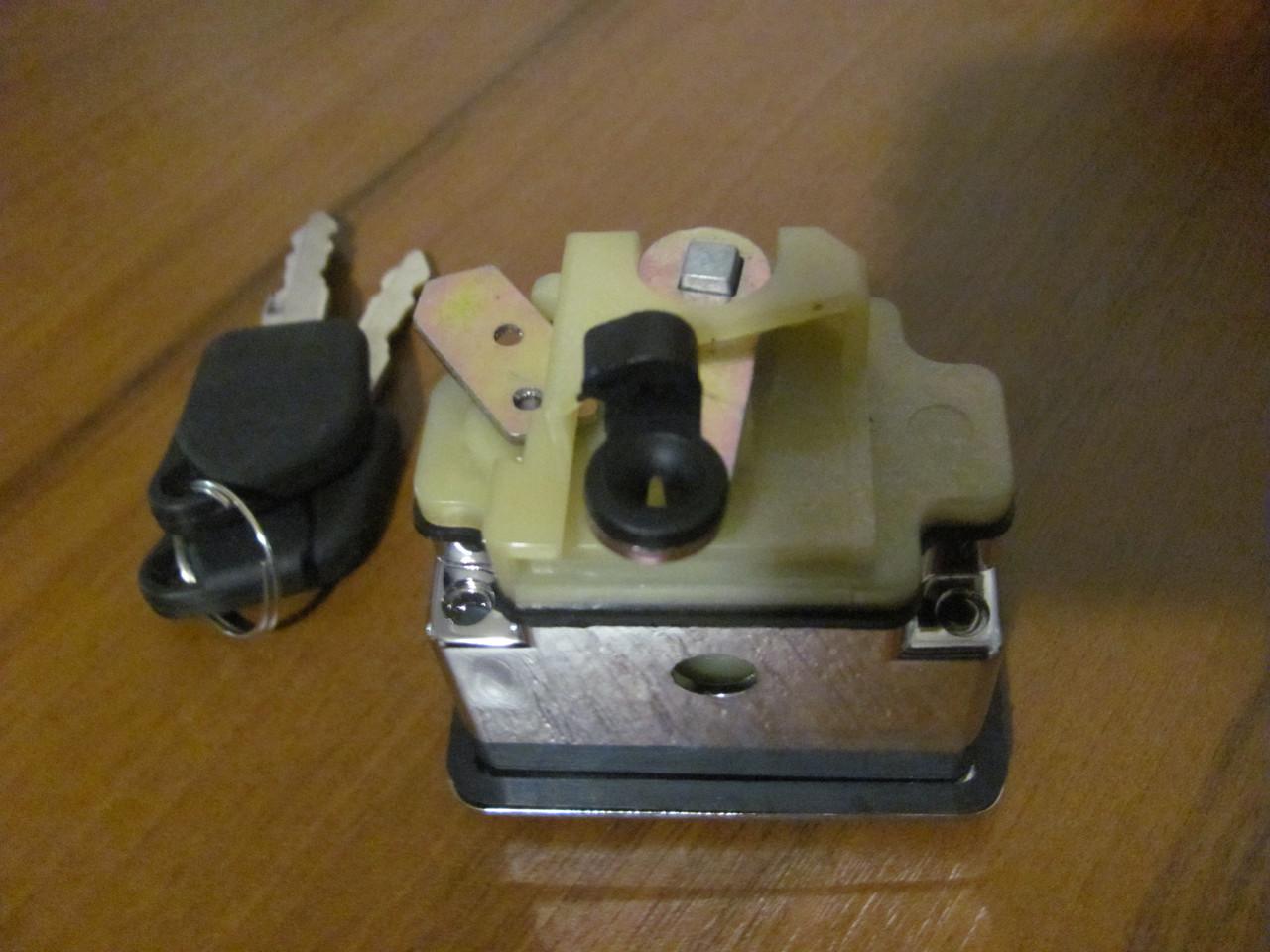 Кнопка багажника Peugeut 405