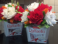 Подарок из конфет Raffaello