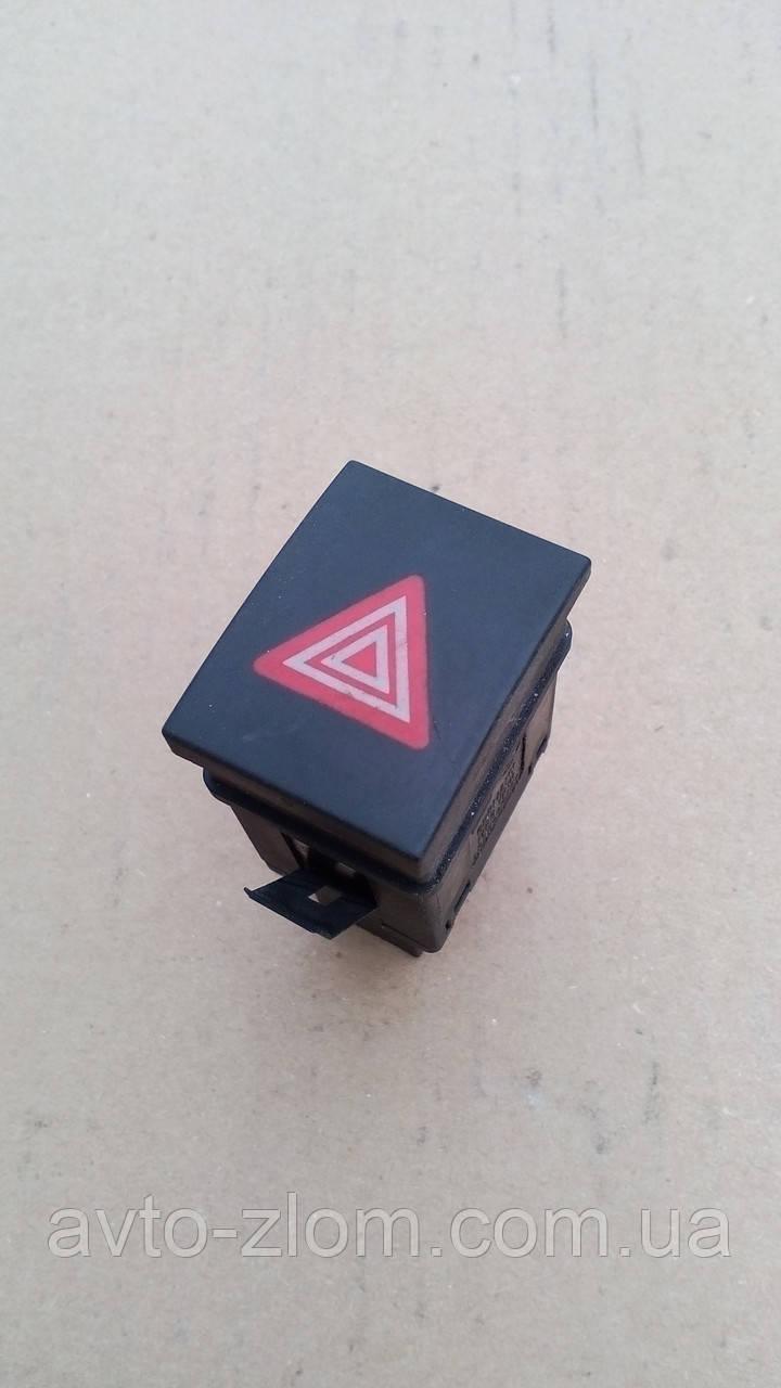 Кнопка аврийной сигнализации Volkswagen Polo. 6Q0 953 235 A.