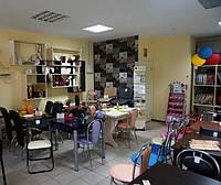 В продаже ассортимент корпусной и мягкой мебели, шкафы-купе, кухни, столы и стулья для кухни, бара, ресторана, офисные кресла, мебельные ткани, комплектующие и фурнитура.