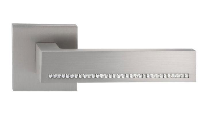 Дверная ручка ORO&ORO QUATTRO 106CR-15E Swarovski MSN перламутровый никель