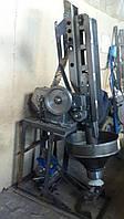 Автомат для укладки викельных колец в крышки СКО І-82 резиноукладчик