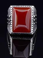 Мужской перстень с камнем сердолик