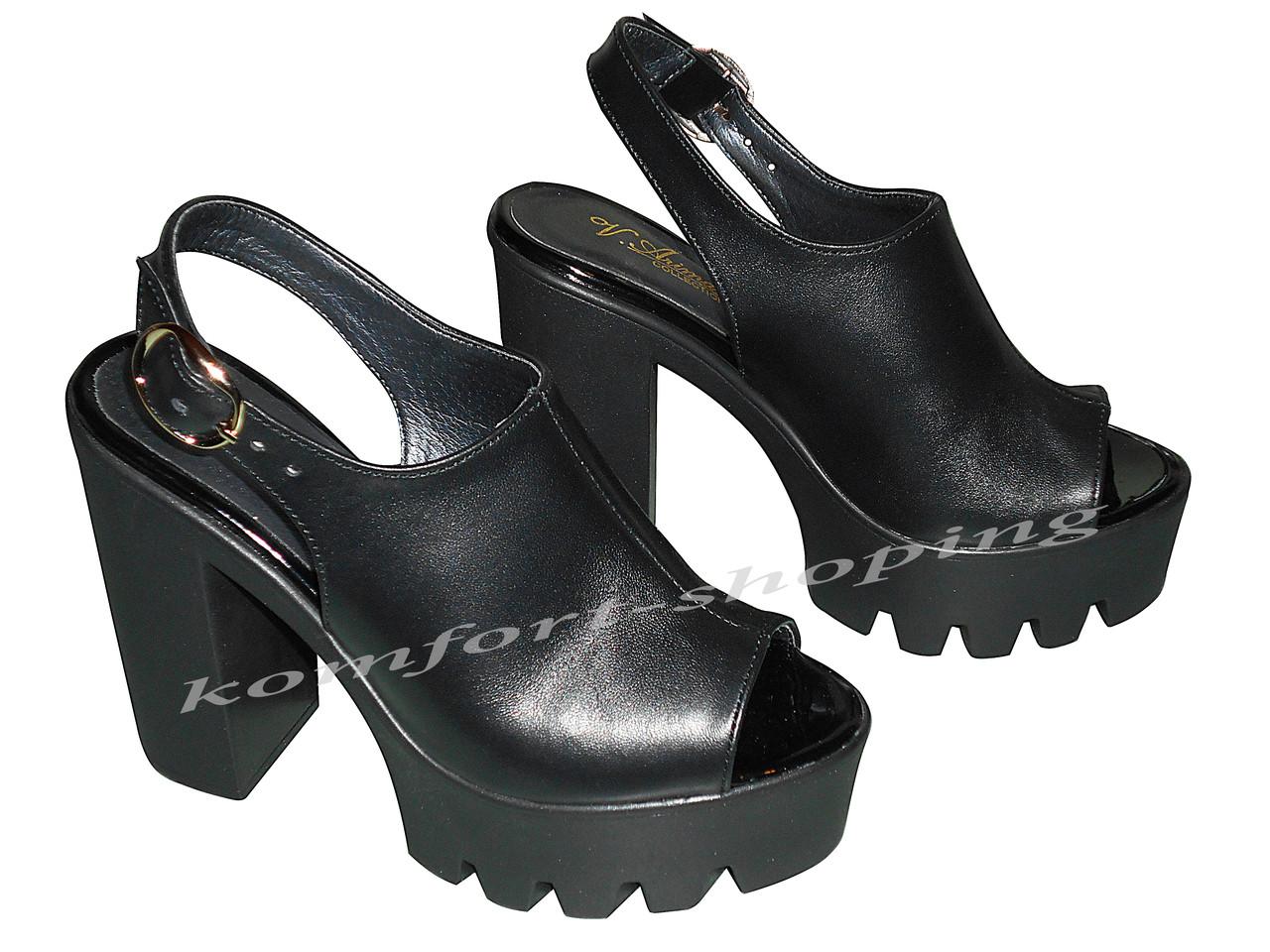 Женские босоножки кожаные, черные V 1010