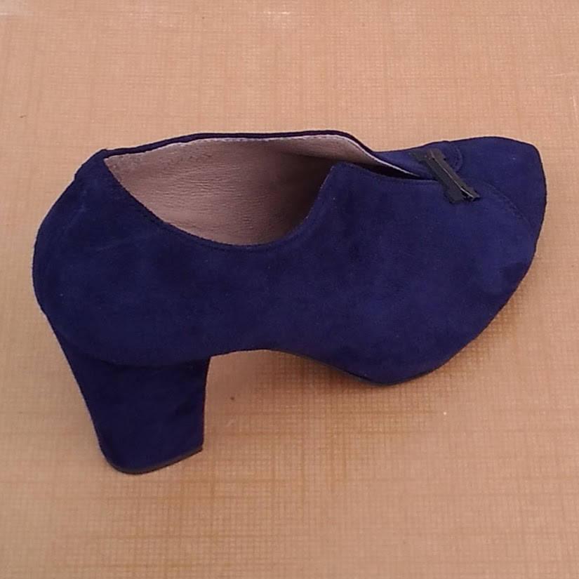 Туфли женские замшевые на высоком каблуке и скрытой платформе тёмно-синие размер 39