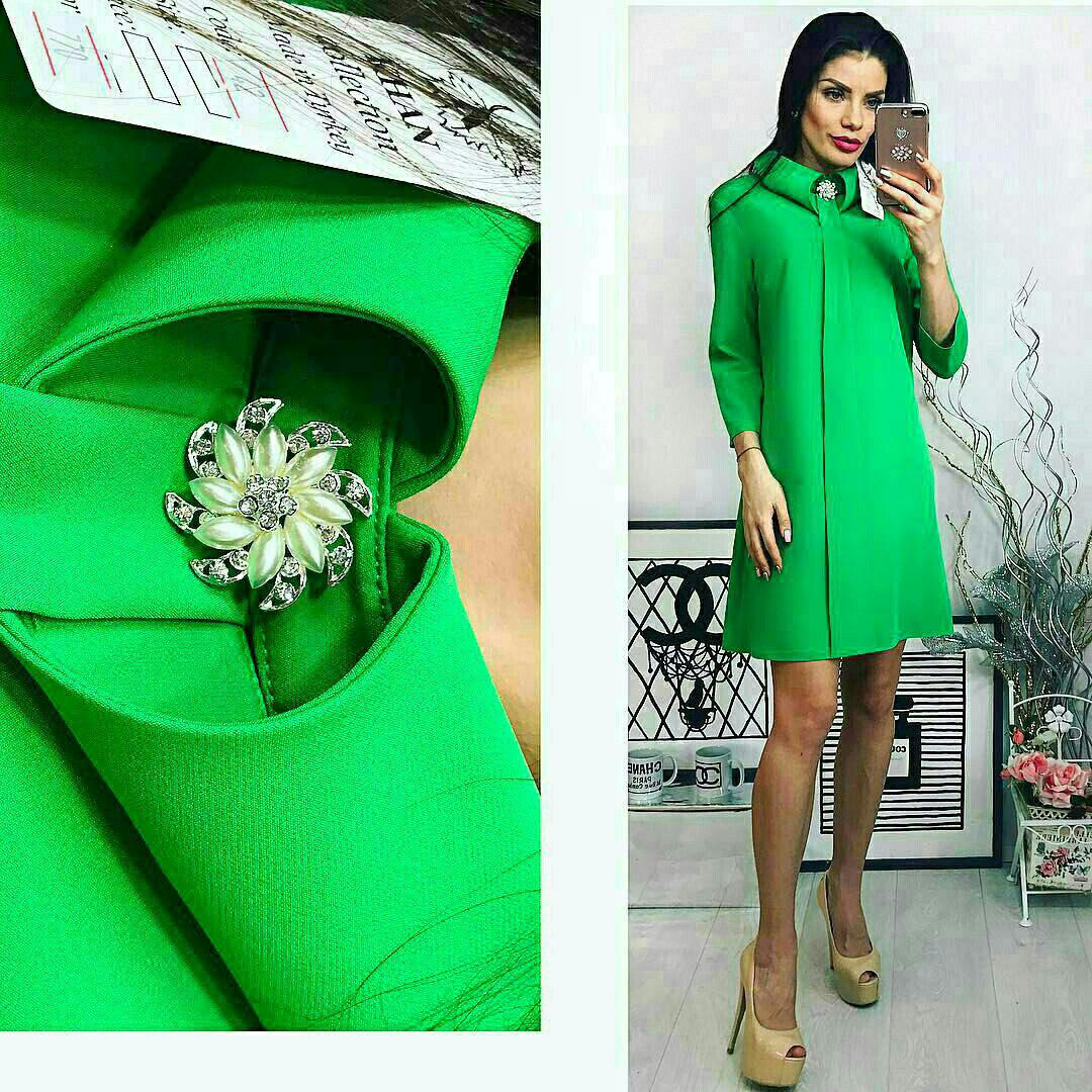 """Платье с брошкой, цвет - зеленый """"трава"""""""